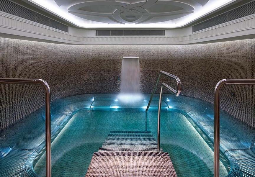 Luxury spa resort Melbourne Sugar Daddy